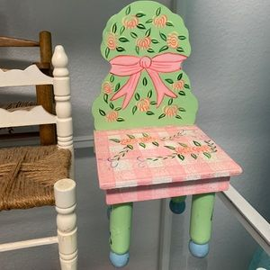 Accents - Doll chair